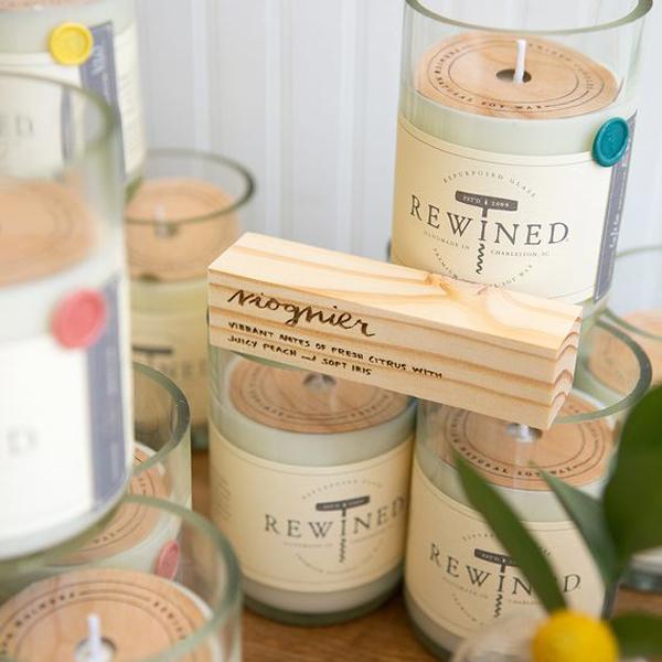 bougies parfumées dans un contant en verre recyclé