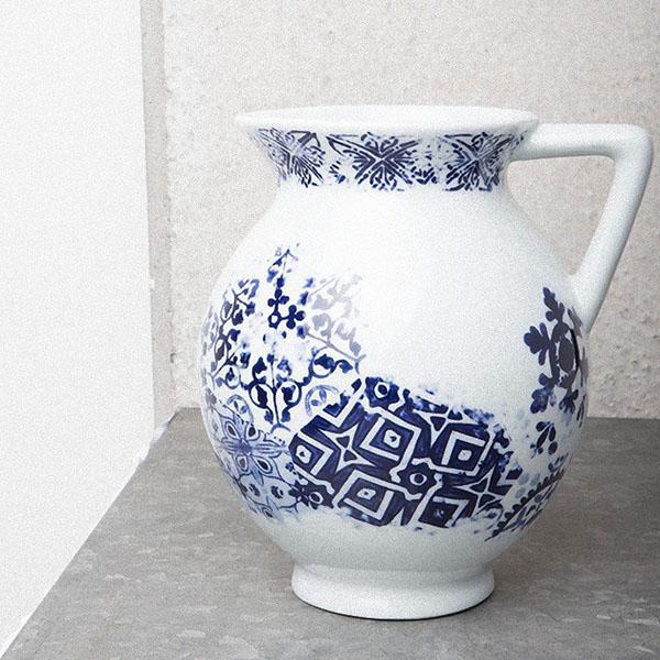 jarre effet vintage blanche et bleue