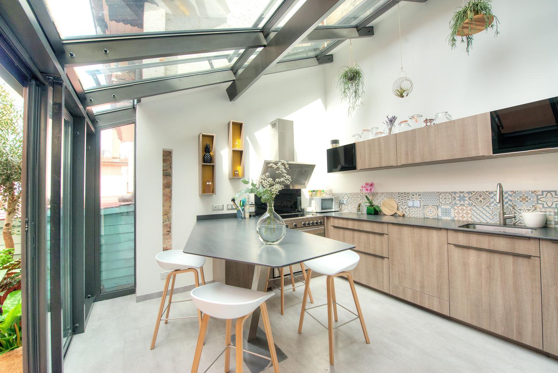 noesis-cuisine-ceramique-mobalpa-veranda-lumiere-carreaux-ciment