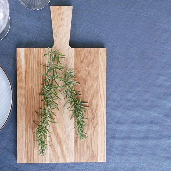 planche à découper en bois brut
