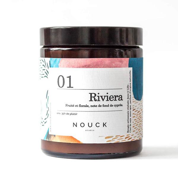Bougie française riviera Nouck studio fruité et florale, note de fond de cyprès