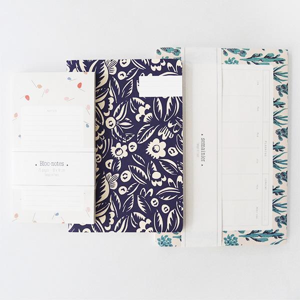 lot de papeterie avec bloc notes, carnet et semainier de la marque season paper