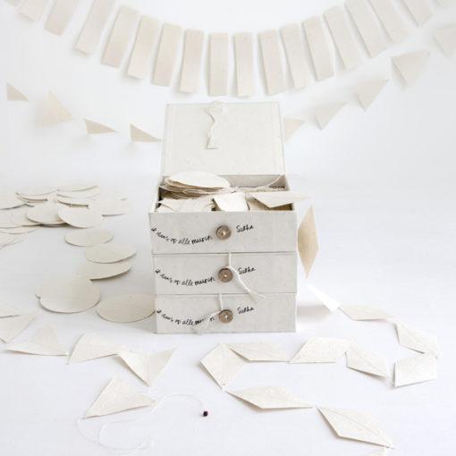guirlandes hipa à suspendre dans un boite en papier