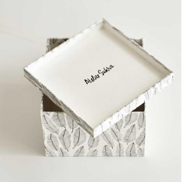 Boîte vera en papier