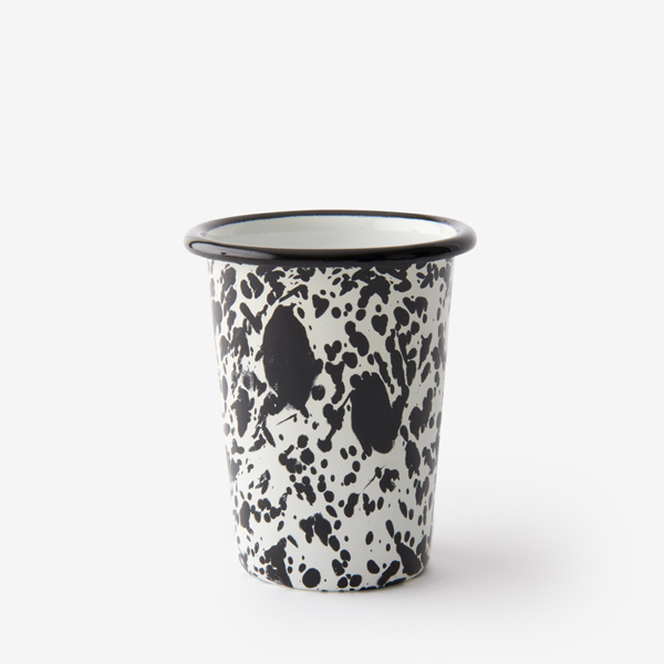 verre en émail mouchetée noir et blanc bornn